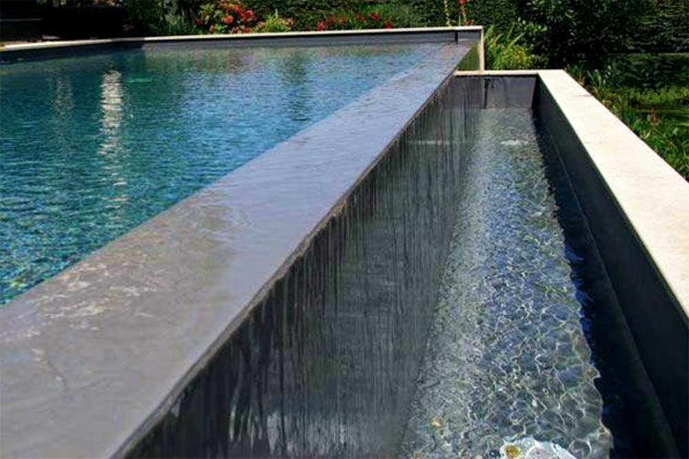 Chiang Mai overflow system swimming pools